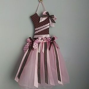 Other - GIRL'S PINK & BROWN TUTU DRESS HAIR BOW HOLDER